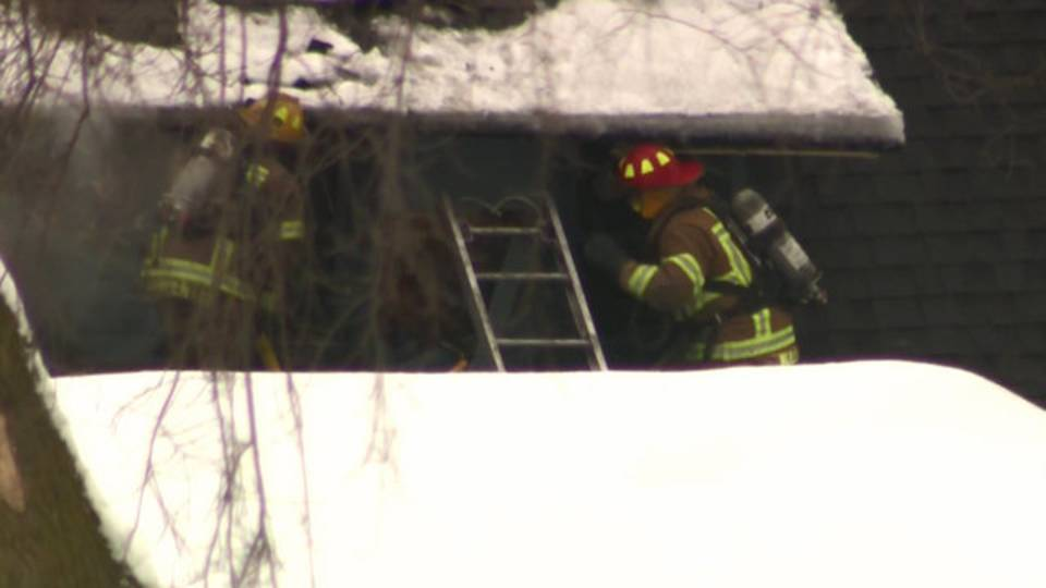 Novi house fire 2_1513347850123.jpg