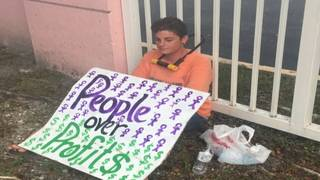 Protesters arrested after blocking entrance to ICE facility