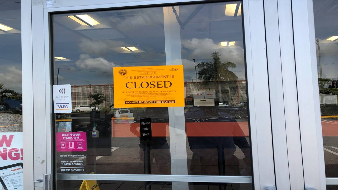 Dunkin' Donuts closed sign