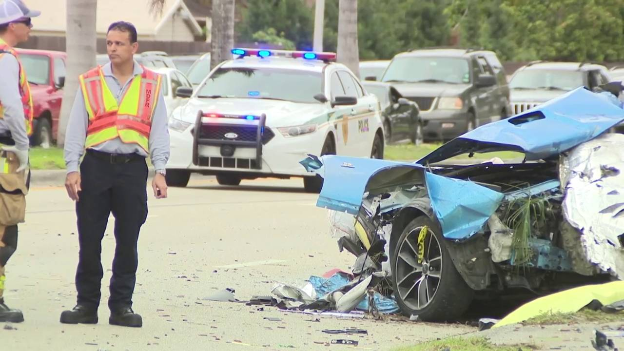 1 dead, another hurt in car crash in northeast Miami-Dade