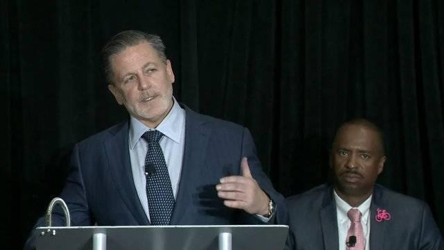 Dan Gilbert jobs to Detroit announcement_1505918853311.jpg