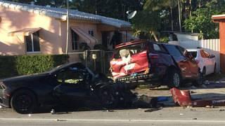 2 hurt after Lamborghini slams into minivan in North Miami