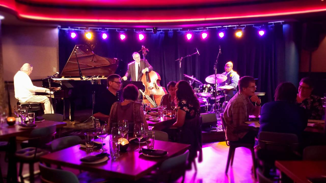 Blue LLama Jazz CLub Gary Schunk Trio