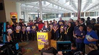 Orlando airport workers rally for $15 per hour minimum wage