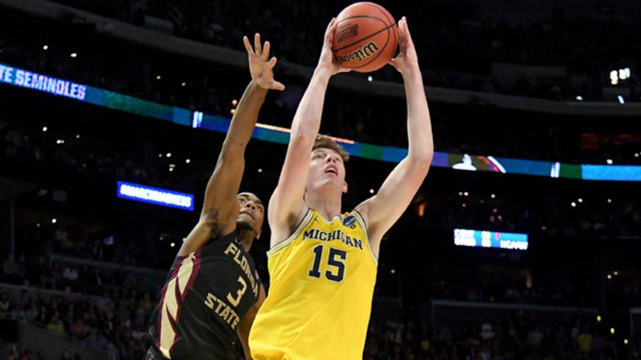 Jon Teske Michigan basketball vs Florida State 2018 NCAA Tournament Elite 8