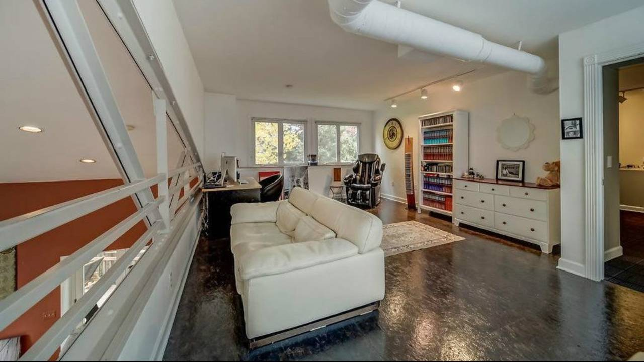 1906 Old Orchard Ct. loft space
