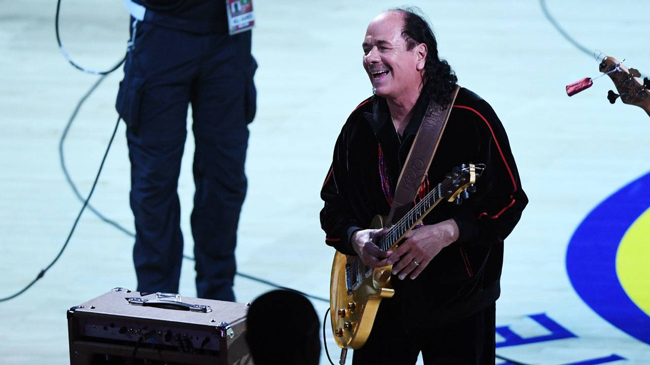 Carlos Santana before Game 2 of 2017 NBA Finals58437128-75042528