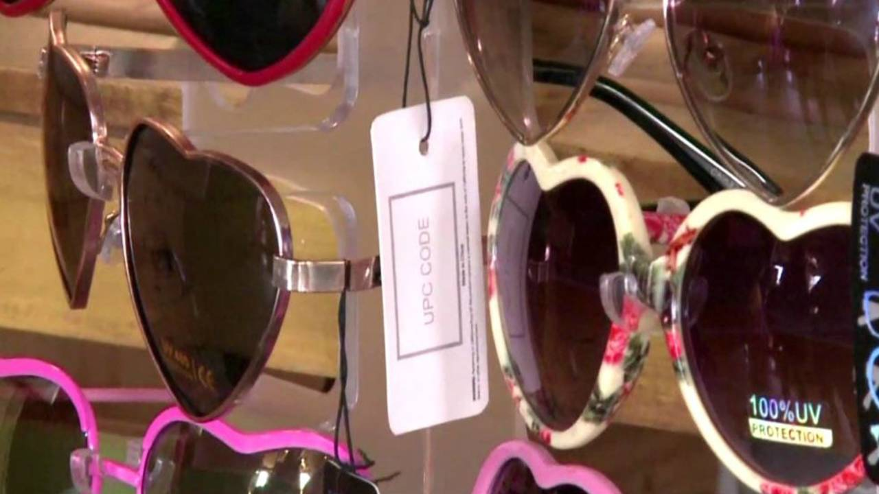 cc597571b2 Woman s heart-shaped glasses help spread message of love