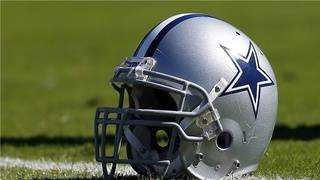 Dallas Cowboys acquire Olawale from Raiders in a fullback swap