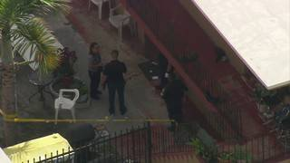 Man stabbed multiple times at Hialeah apartment complex