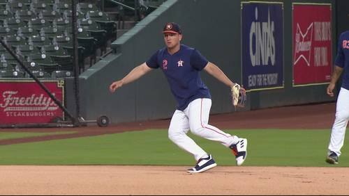 Astros make pit stop at Minute Maid Park for final 2 exhibition games