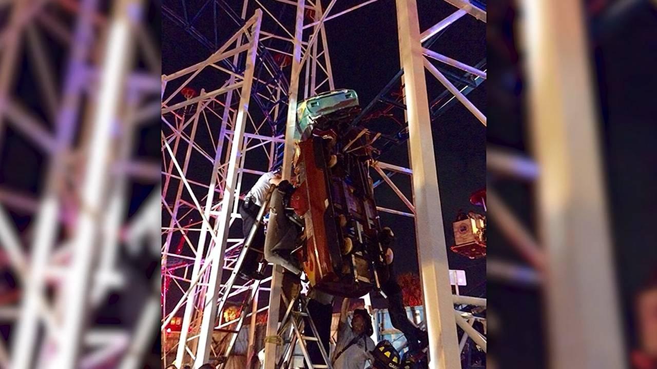 roller coaster derail65130202-75042528