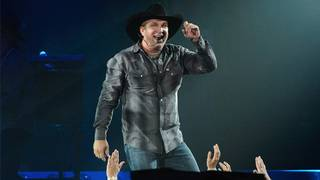 What to know about buying Garth Brooks RodeoHouston tickets