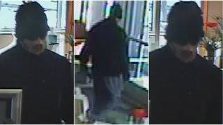 Armed man wearing mask made of bandages robs Huntington Bank in Canton