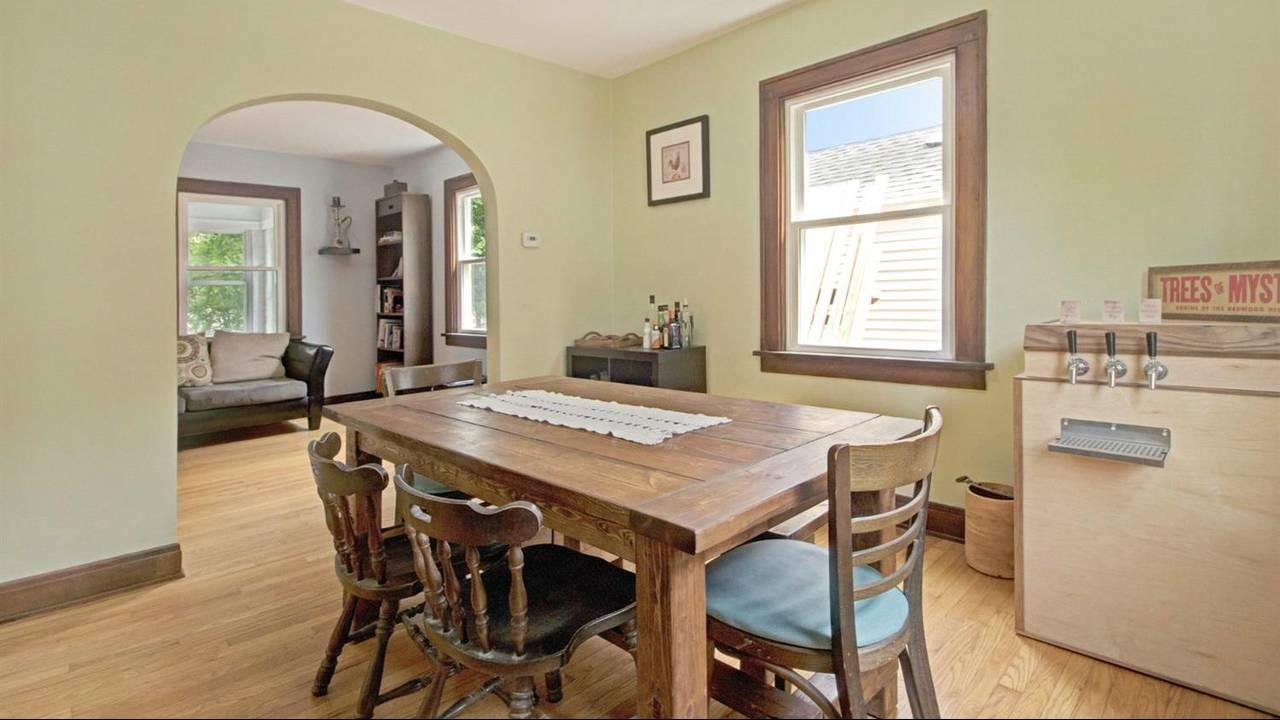 525 N Ashley Street dining room