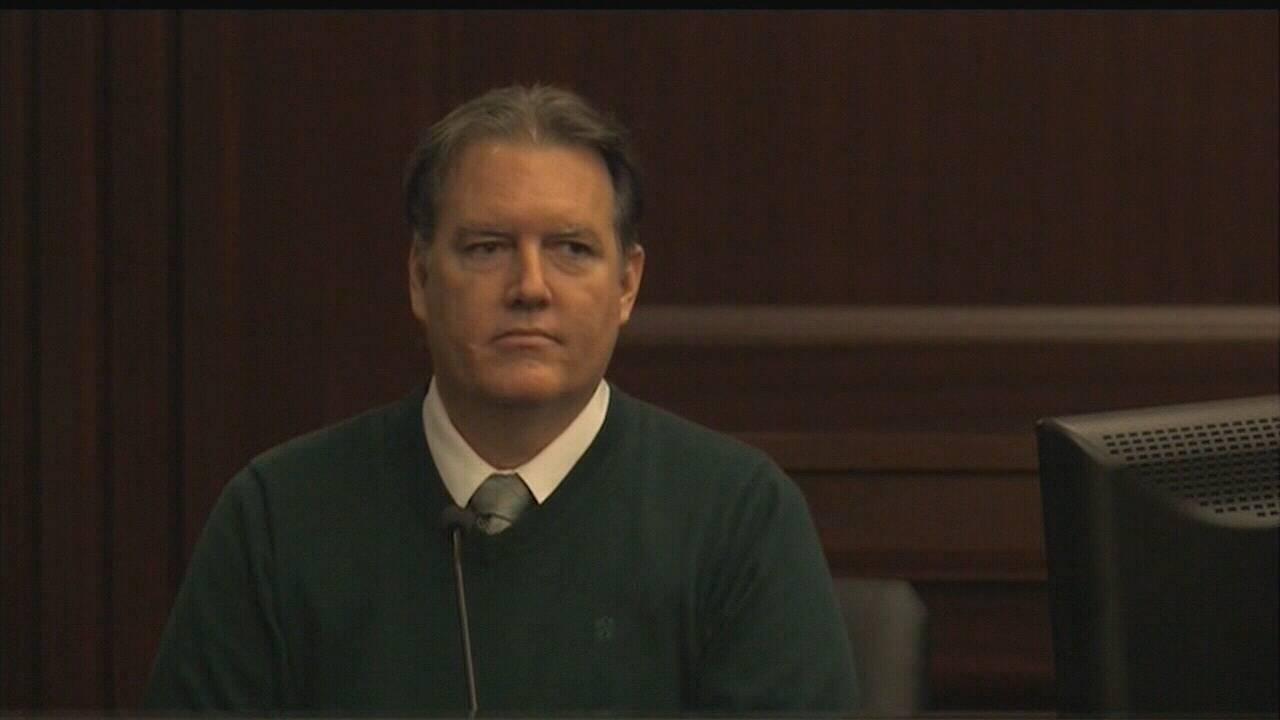 Dunn-testifying.jpg_31240478