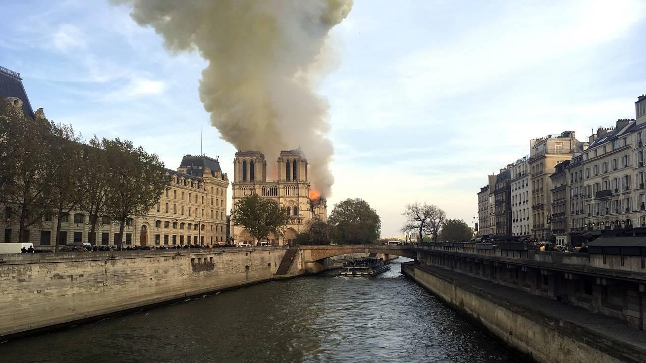 APTOPIX France Notre Dame Fire_1555350241875