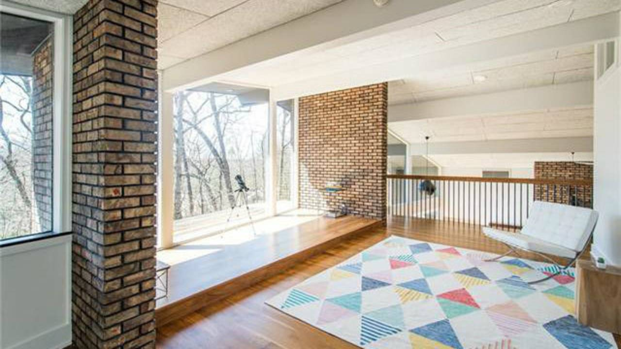 700 Spring Valley Rd loft space