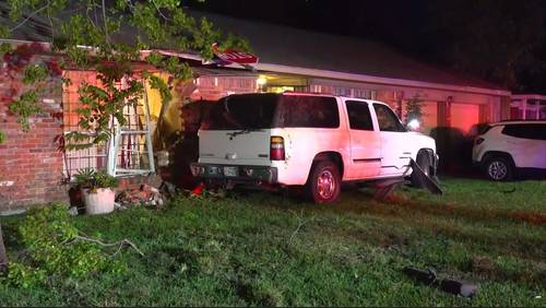 Homeowner's concerns rise after 2nd car exiting freeway crashes into house