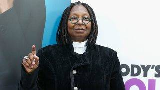 Whoopi Goldberg Gives Her Pick for 2019 Oscars Host After Kevin Hart Steps Down