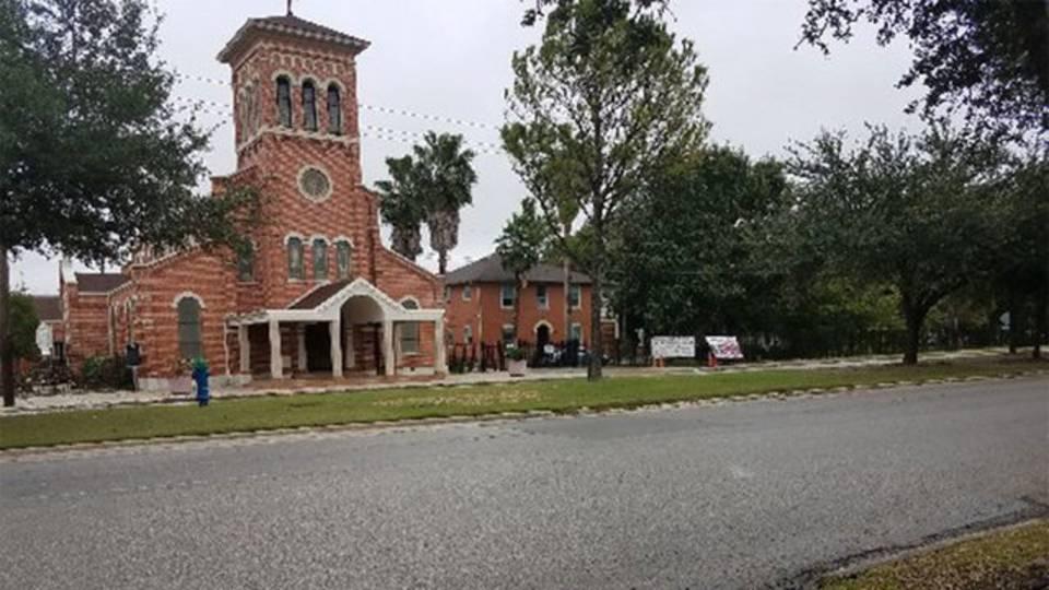 Robbery-outside-of-church_1542059808604.jpg