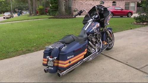 Astros superfan shows off his ultimate Astros motorcycle ahead of ALCS game 4