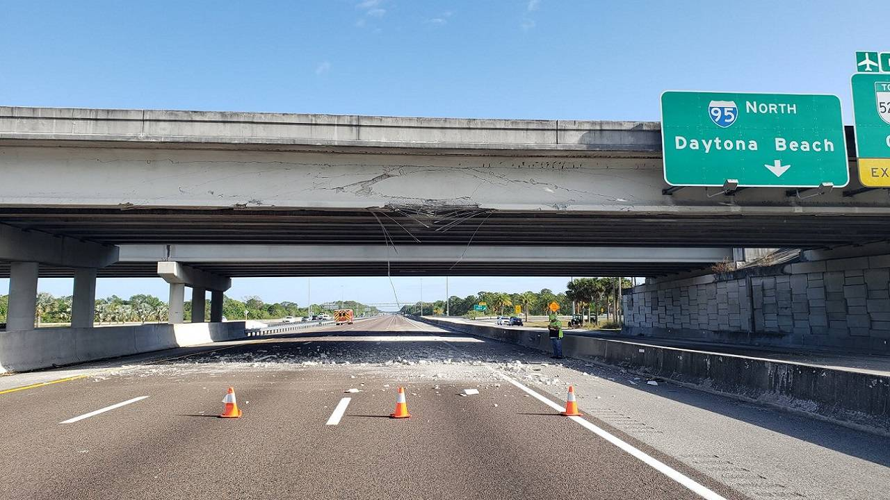 I-95 north shut down after truck crashes into SR 528 overpass
