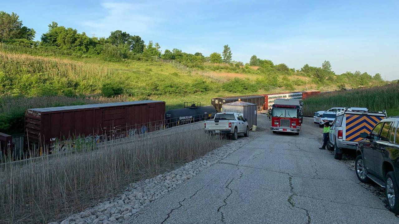Train derails inside St  Clair River international tunnel in