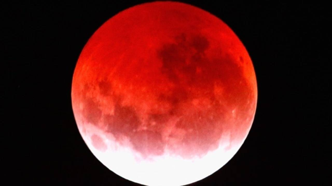 The Blood Moon Lunar Eclipse Offers Thrilling Views