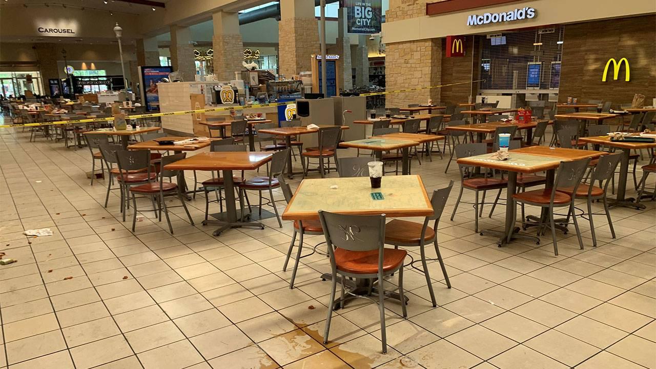 Memorial-City-Mall-panic-3_1565563508907.jpg