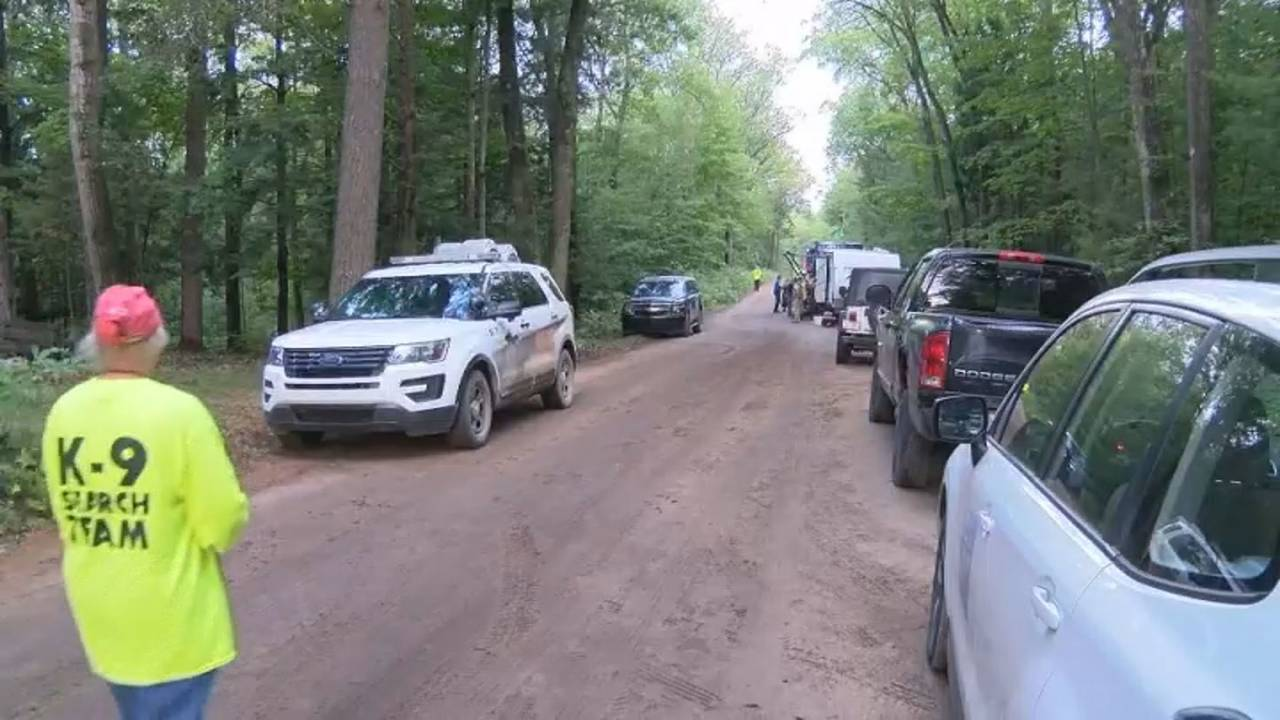 Missing 2-year-old girl Northern Michigan search 4 dirt road