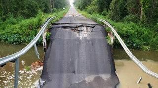 Rural bridge near Florida-Georgia line collapses