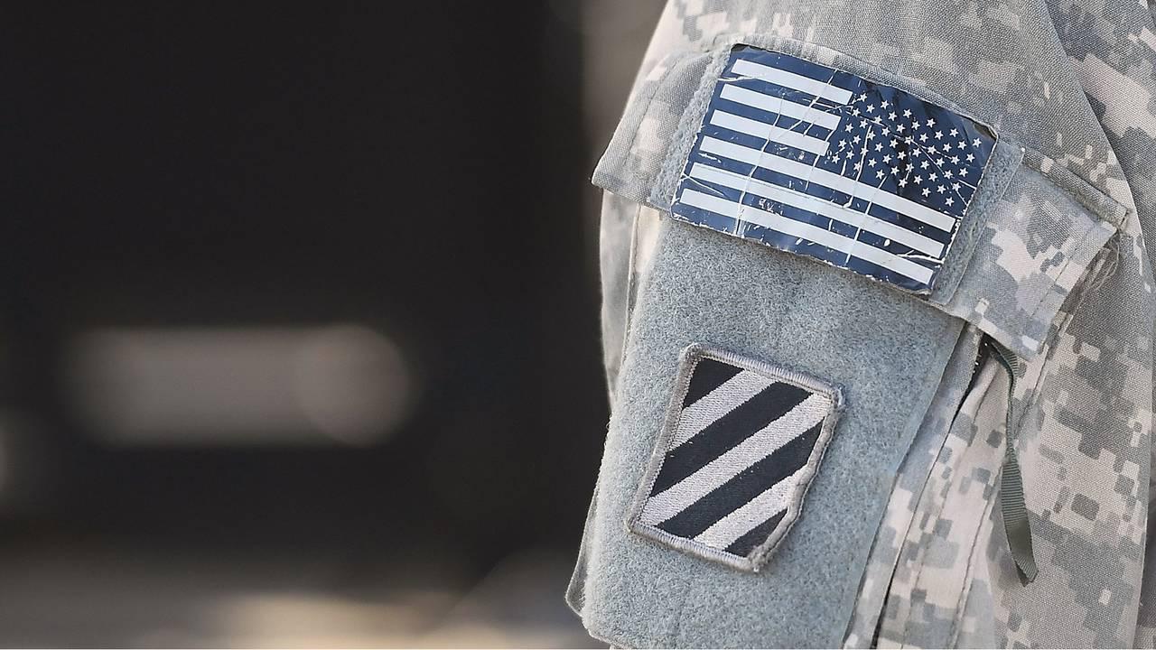 Army uniform patch-75042528.jpg23650483