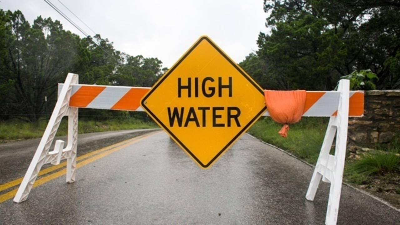 Texas Flood - High Water Sign_3321926047050996-75042528