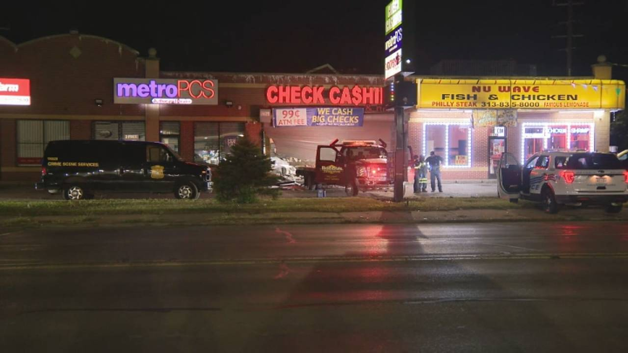 Carjacked tow truck smash-and-grab Detroit 2