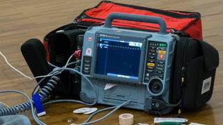 Defibrillator 'lock up' malfunction could be deadly, company says