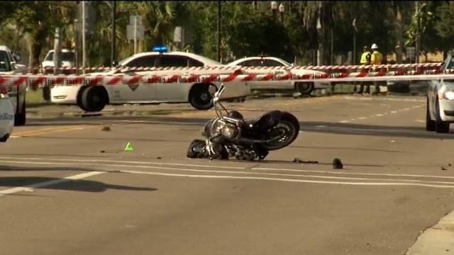 Motoryclce crash - Main @ 2_27618898
