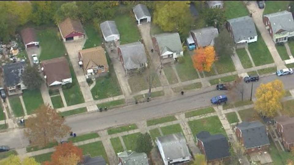 Police on scene of barricaded situation Detroit's east side