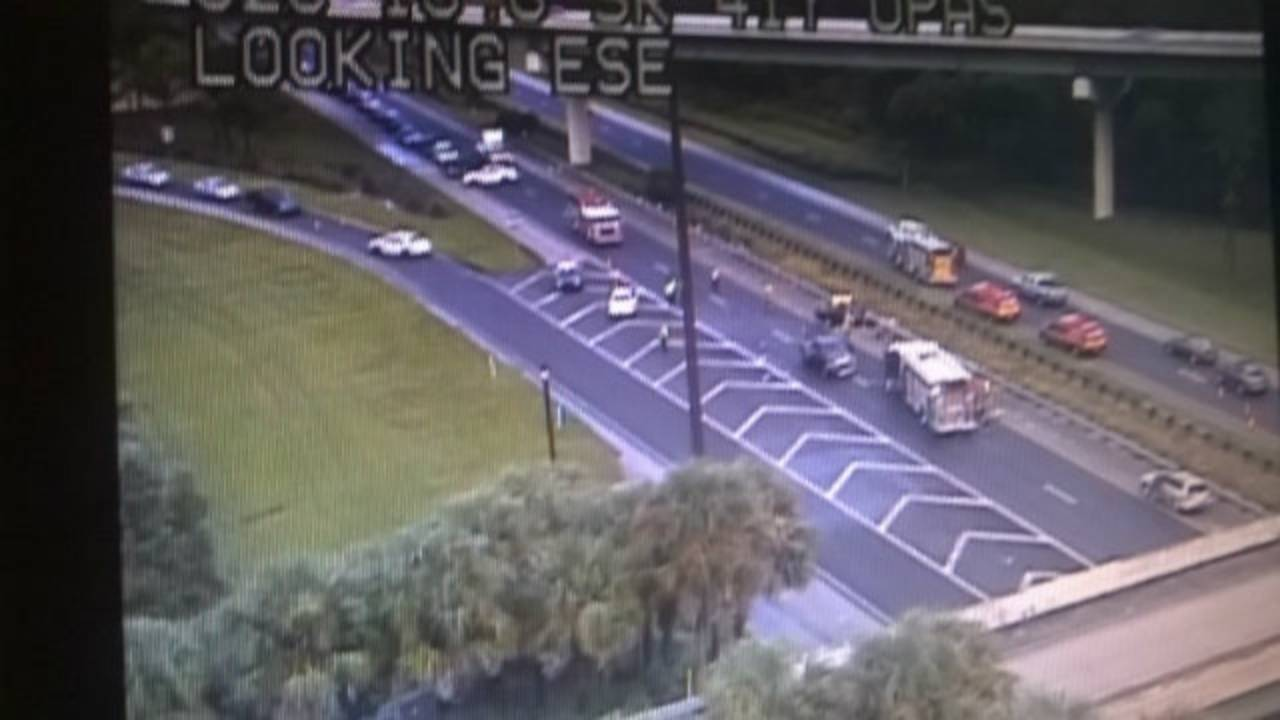 7 hurt in State Road 528 crash in Orlando