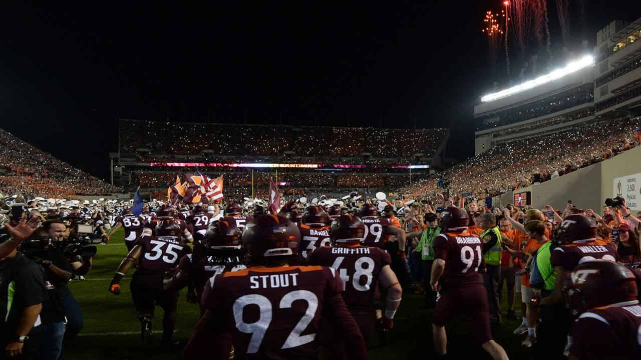 Virginia Tech Hokies 'Enter Sandman' 2018