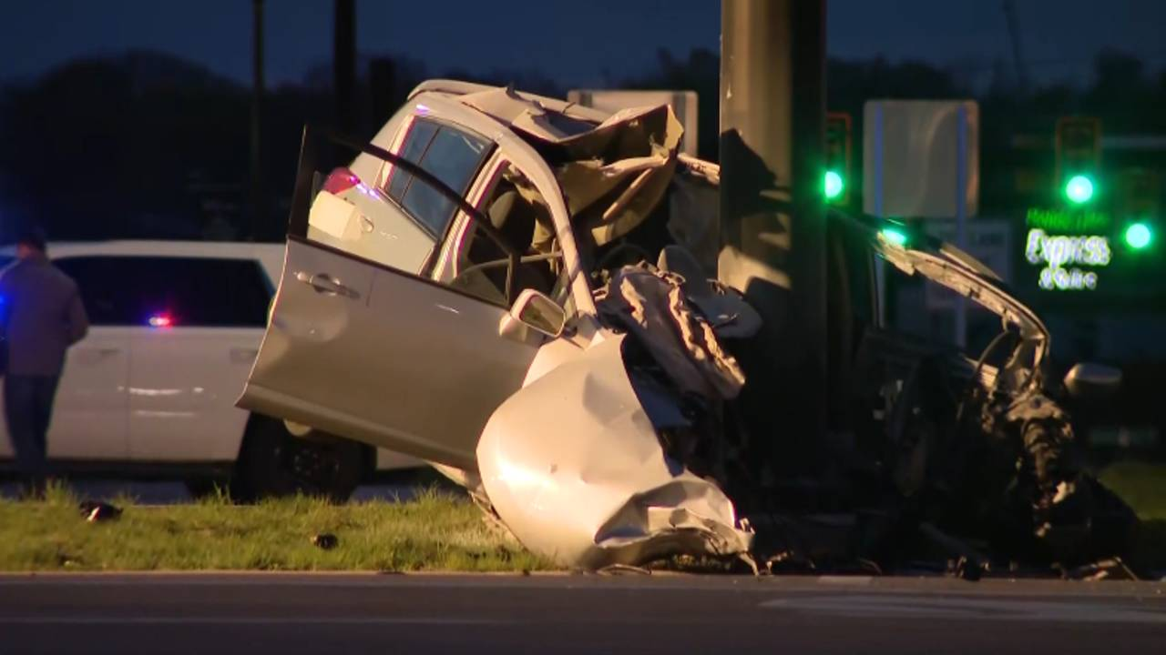 1 dead, 1 injured in crash at Northwestern Highway, Orchard
