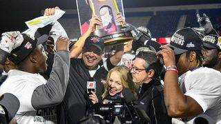 Kerwin Bell coaches Valdosta State to the D-II national championship