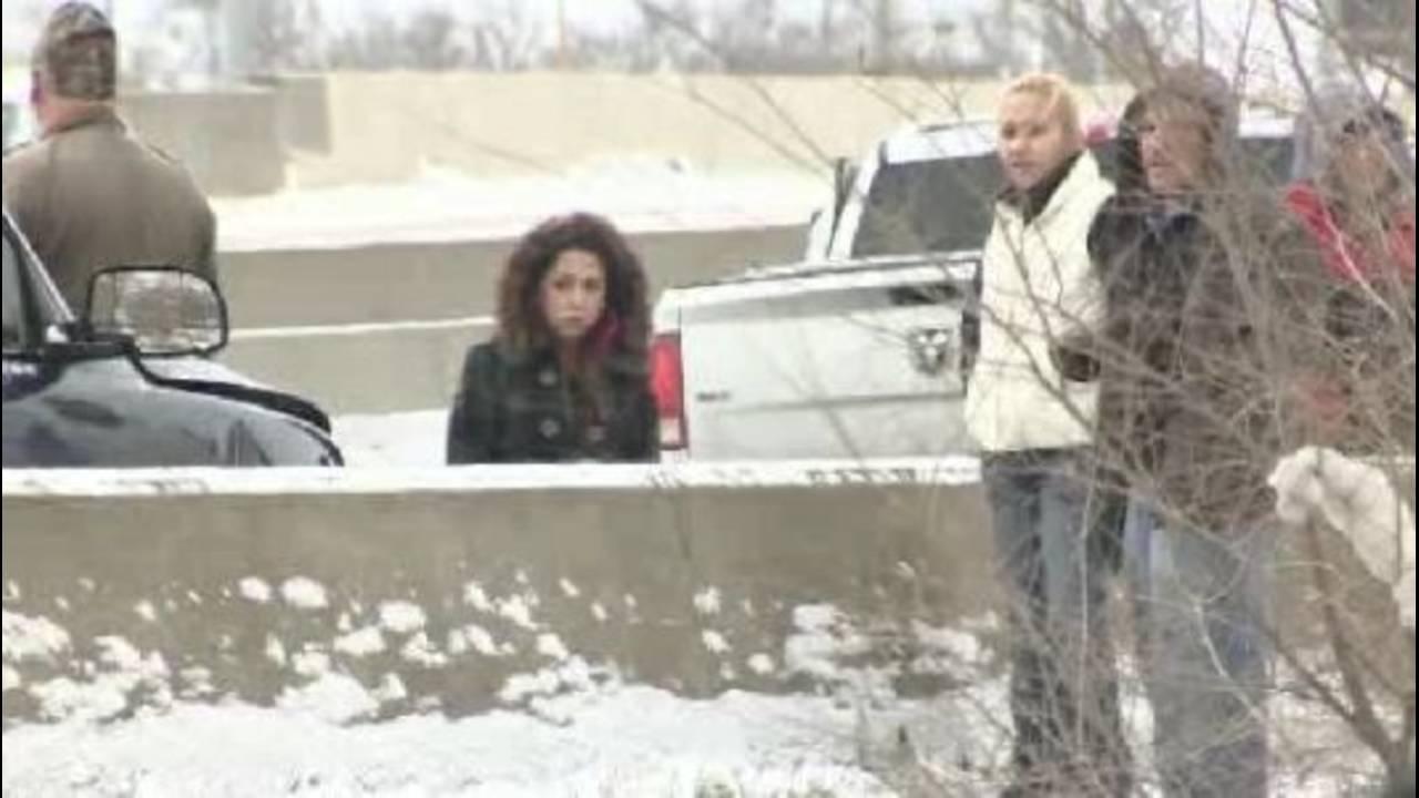 Massive crash shuts down I-75 at Springwells_18354522