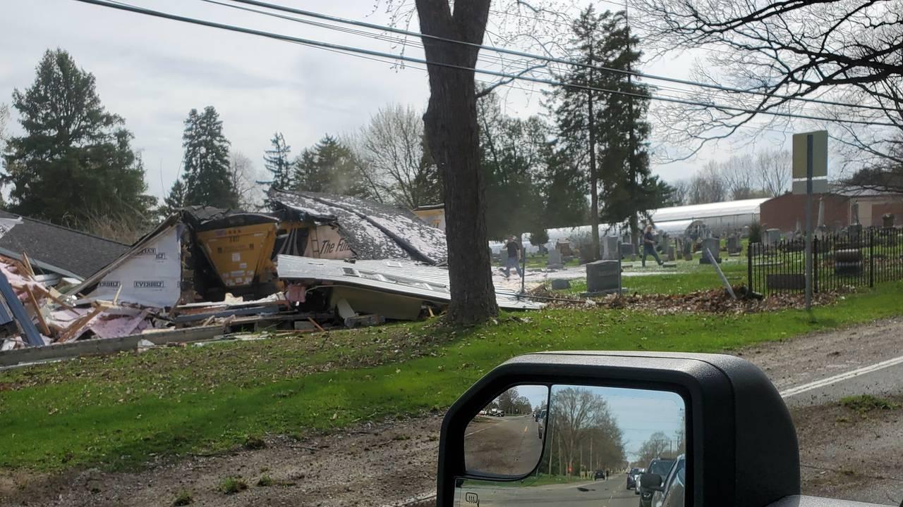Semi truck crashes into house Macomb Township 1