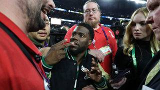 'Tipsy' Kevin Hart mocked for trying to get on stage after Super Bowl