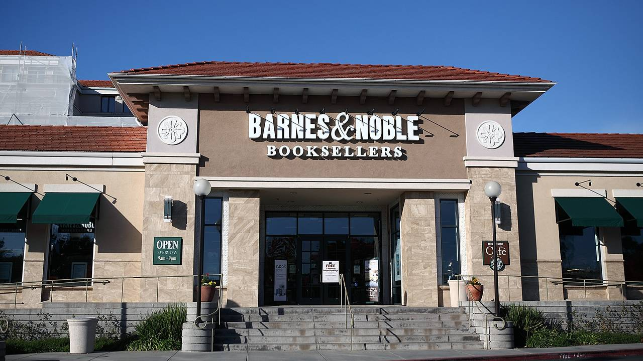 Former Barnes Noble Ceo Sues Over His Firing