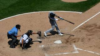 Castellanos powers Tigers past White Sox 7-5