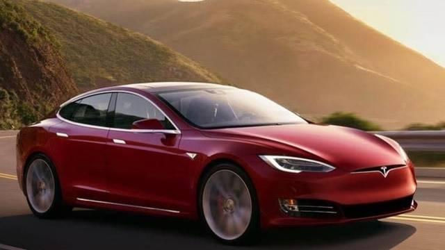 CRM--Cars-Inline-TeslaModelS-2-18 Cropped_1518630229747.jpg.jpg