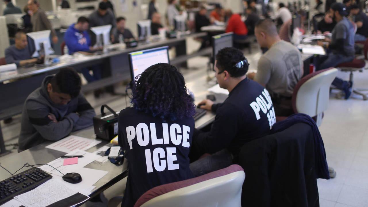 ICE officers_1561077635921.jpg-75042528.jpg31505053
