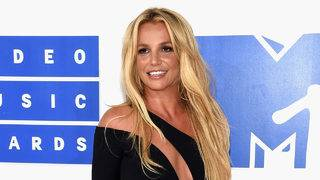 Britney Spears check in with fans on Instagram